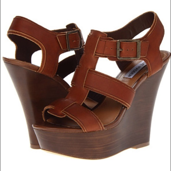 2bb3f1175f2 Steve Madden Wanting Wedge Sandal Cognac Leather. M 5ab072a4d39ca2b24470ecbc